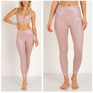 Beyond Yoga Pearlized High-Rise 7/8 Leggings